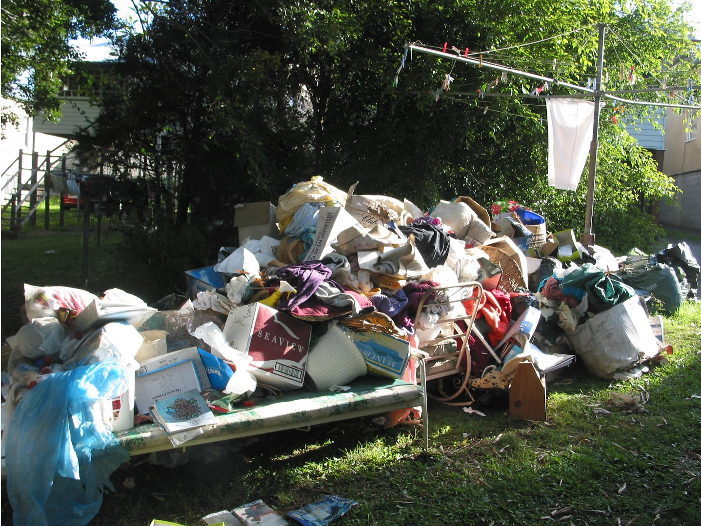 Who is responsible for the Tenants rubbish?