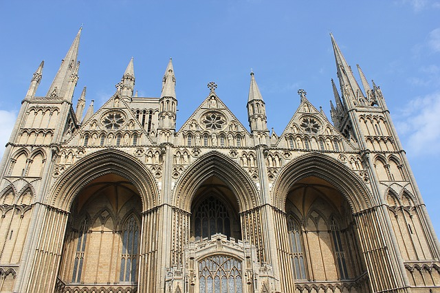 peterborough-cathedral-1457924_640 (1)