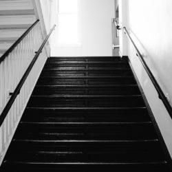 Tenant Dies on Staircase?