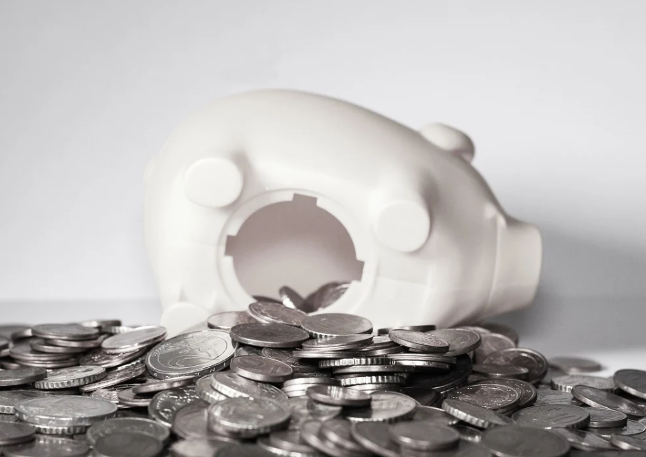Easy Access savings rates halved since pandemic lockdown